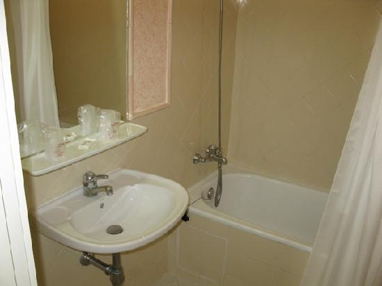 Muthu Clube Praia da Oura: Bathroom/En Suite (Studio Unit)