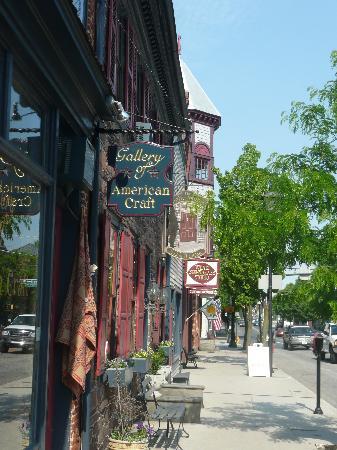 Brafferton Inn: Convenient York Street location