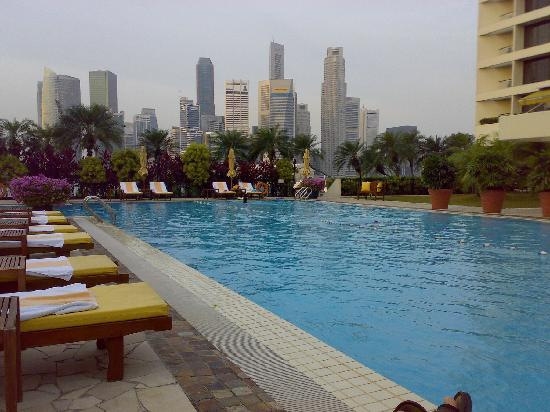 Hotel swimming pool picture of mandarin oriental - Marina mandarin singapore swimming pool ...