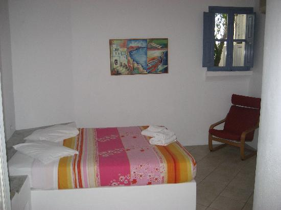 Uranos Traditional Houses: 2nd (upgraded) room bedroom