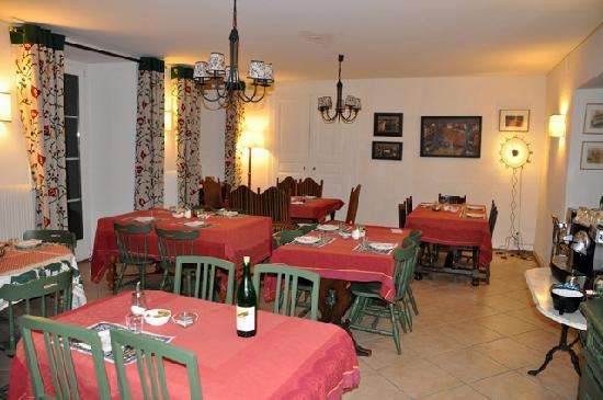 Hotel du Pillon: Breakfast room