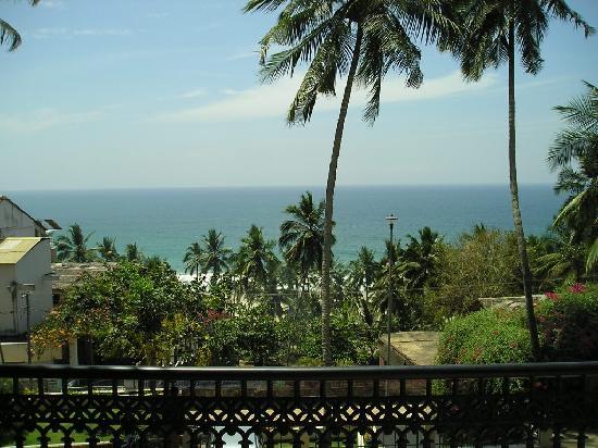 Raja Hotel: Sea view from room balcony