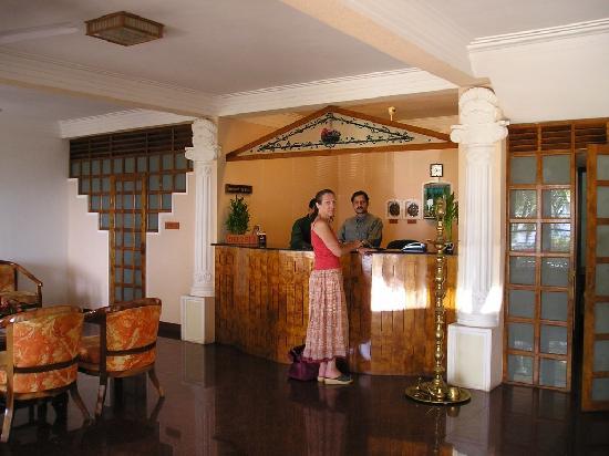 Raja Hotel: Hotel reception
