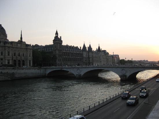 Hotel Lotti Paris: Walking distance from Lotti!
