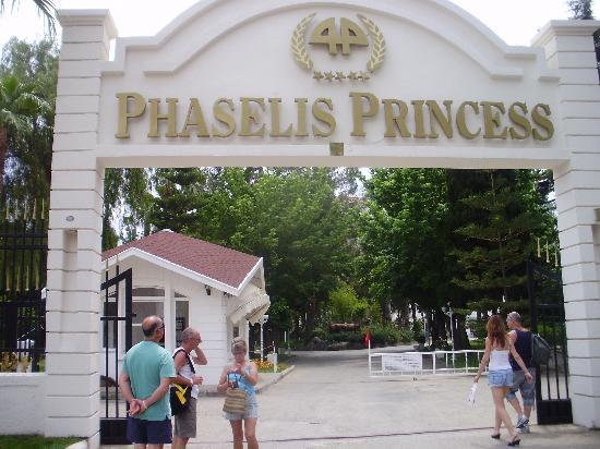 Entrance picture of zen phaselis princess resort spa for A zen salon colorado springs