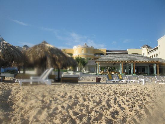 Iberostar Grand Hotel Rose Hall: The resort from the beach