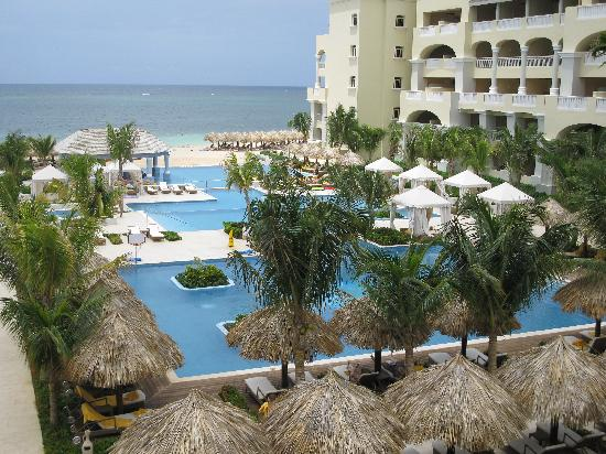 Iberostar Grand Hotel Rose Hall: 3 infinity pools