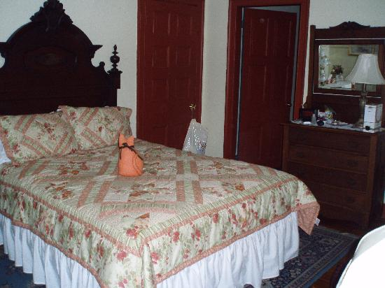 Railroad House Inn: Room 5