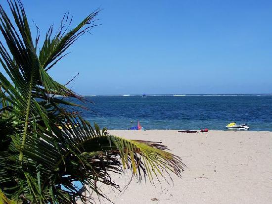 โรงแรมซาติว่า ซานูร์ คอทเทจส์: Sanur - South Beach