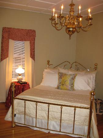 The John Easton House: Romantic Room I