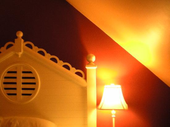 York Harbor Inn: our room