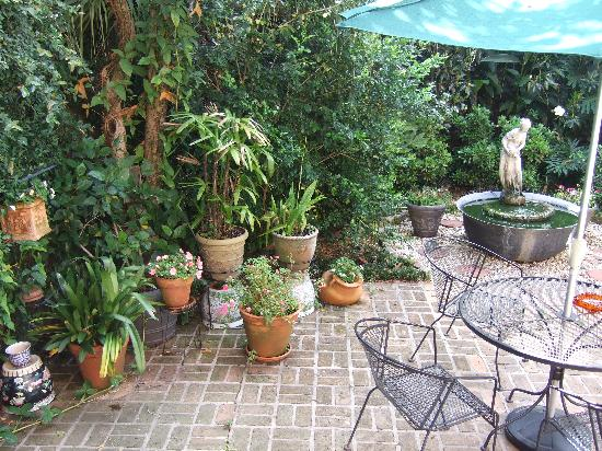 La Maison Marigny B&B on Bourbon: The courtyard