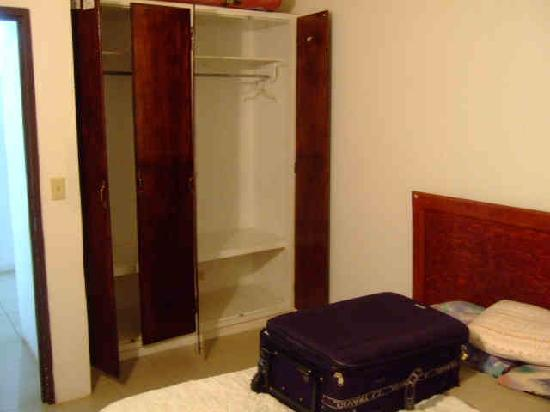 Great value in pohnpei ocean view plaza hotel pictures for Ample closet space