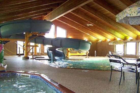 AmericInn Lodge & Suites Shakopee - Canterbury Park: Waterslide