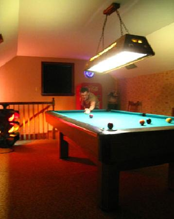 The Savoy Bed and Breakfast : Pool table upstairs  - Cottage