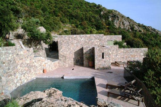 Case Latine : la piscine de notre suite
