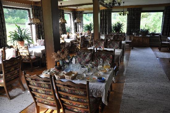 Pension Garni Waldrast: Breakfast area