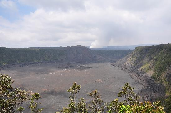 Mt. Kilauea : Kilauea Iki crater