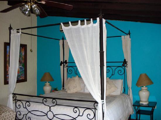 Hacienda Elena: Roomy bedroom