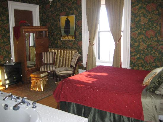 Moondance Inn: one of the other lovely rooms