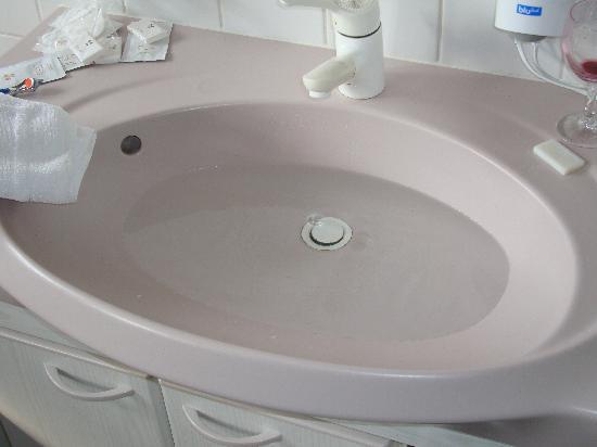 waschbecken wasser l uft nicht ab m bel design idee f r sie. Black Bedroom Furniture Sets. Home Design Ideas
