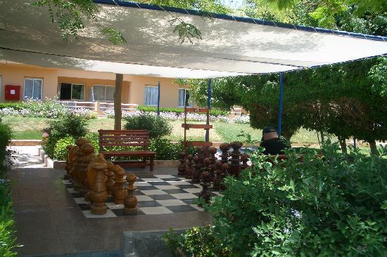 Movie Gate Golden Beach Hotel : Chess outdoor