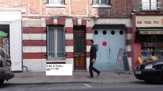 Hotel La Diligence: L entrée de l'annexe