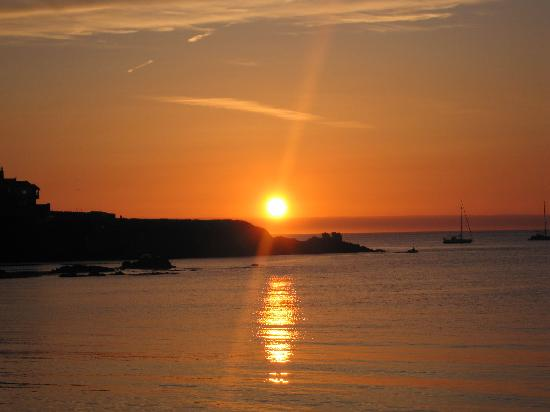Cemaes Bay, UK: Sunset at 9 in the evening
