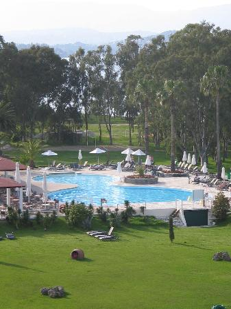 Family Life Kerkyra Golf: The pool
