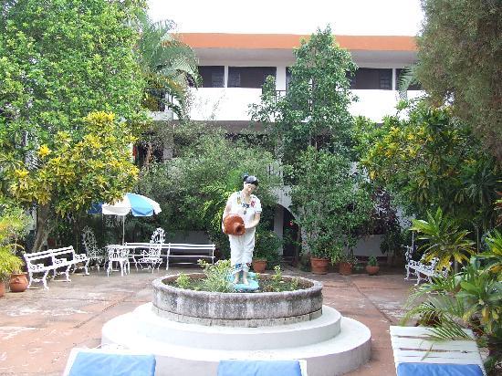 Hotel San Clemente: Cour intérieure