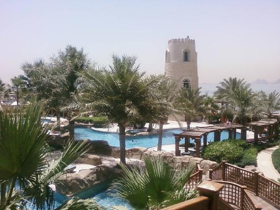 Four Seasons Hotel Doha: Pool area