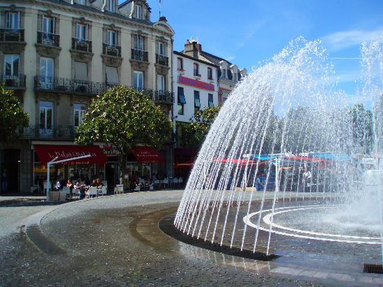 Odos, Frankrike: Tarbes central square