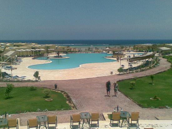 Three Corners Fayrouz Plaza Beach Resort : piscina