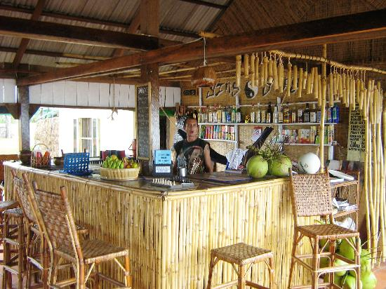 Otres Beach : Typical Bar, (Ying Yang in this Photo)