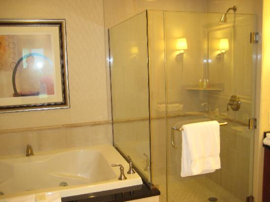 Signature at MGM Grand: Standing shower and Jacuzzi