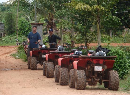 ‪‪Quad Adventure Cambodia Siem Reap‬: The lineup of our quads‬