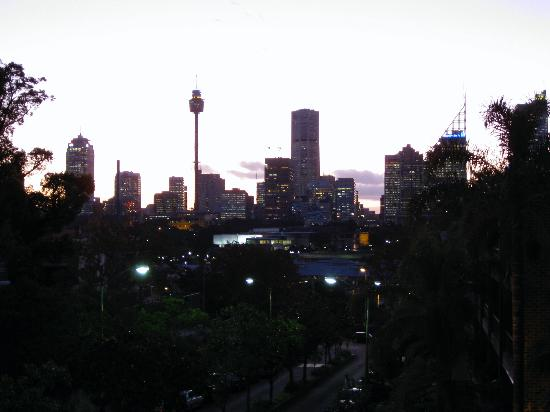 Simpsons of Potts Point Hotel: Skyline from Simpsons Apt location