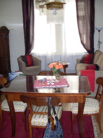 Appartements Hermine: salon/salle à manger