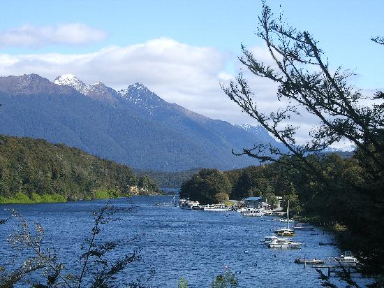 YHA Te Anau: Lake Manapouri Oct 08