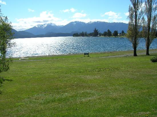 YHA Te Anau: Lake Te Anau Oct 08