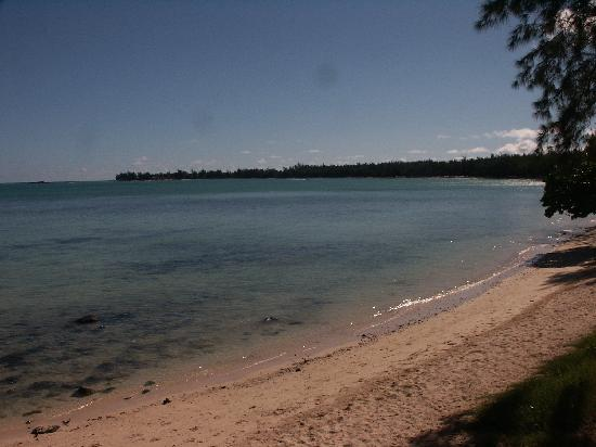 Mon Choisy Lodge: La plage de Mont Choisy, toute proche.