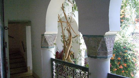 Dar Malak: Detalle del arco del primr piso