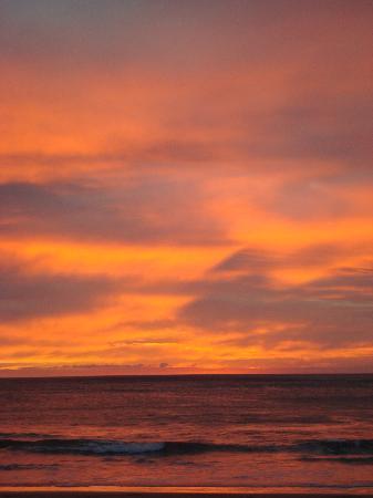 JW Marriott Guanacaste Resort & Spa: One of the endless breathtaking sunsets