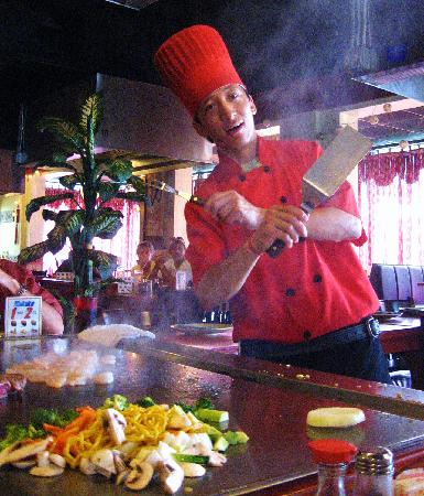 Kinkaku Japanese Steak House : Our excellent, polite, skilled chef!