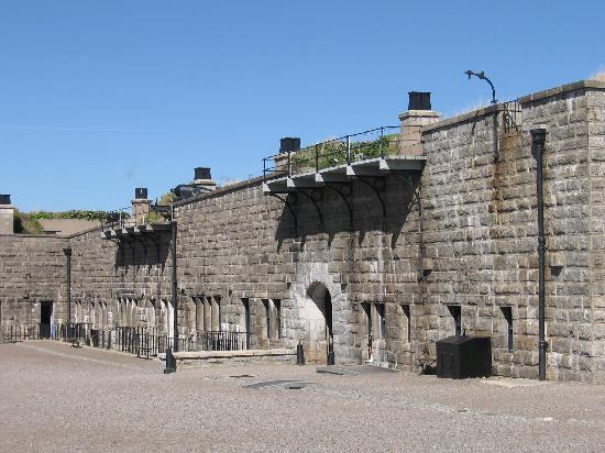 แหล่งประวัติศาสตร์แห่งชาติซิทาเดล: The Citadel Halifax