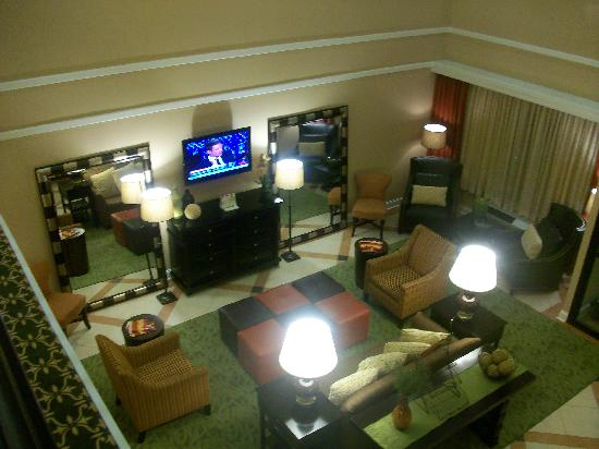 Holiday Inn Express Atlanta-Emory University Area : Lobby from Upper Level View