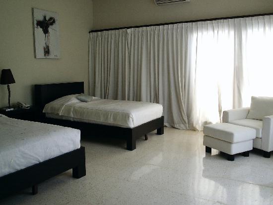 Alam Warna: 'Diamond' 1-bedroom apartment - bedroom