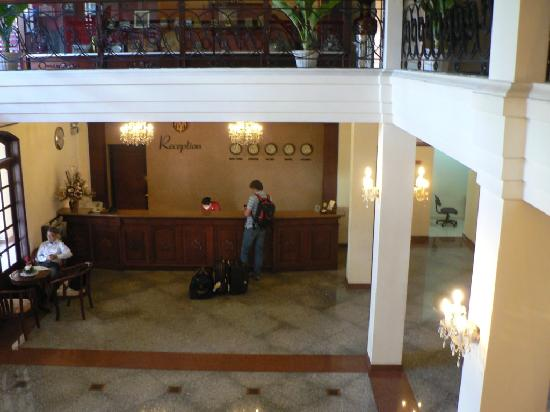 Tan Son Nhat Hotel: Hotel reception