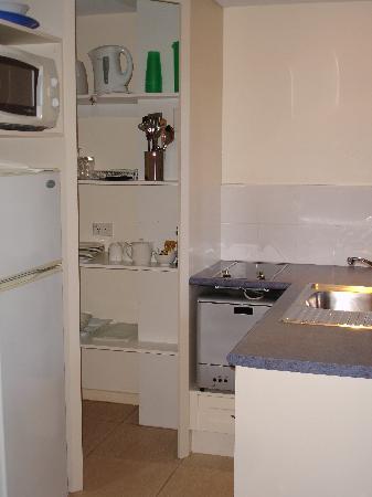 Freestyle Resort Port Douglas: kitchen
