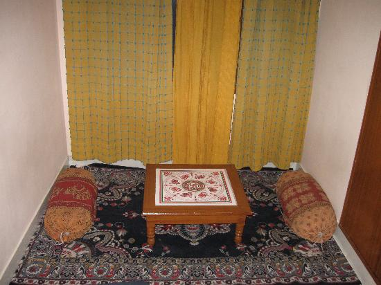 Sunder Palace Guest House: SITING AREA
